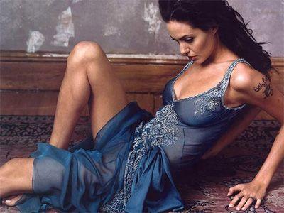 Angelina Jolie - 8